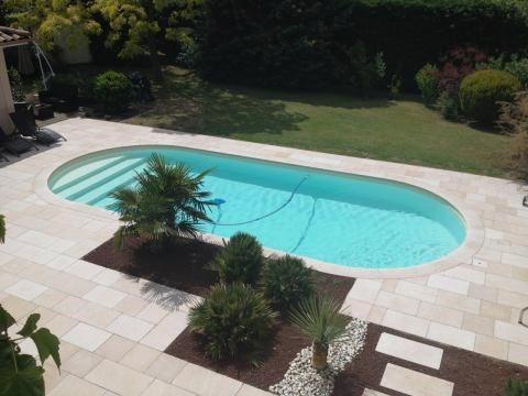 Abord de piscine en Cèdre Gray, opus en bande de longueur ...